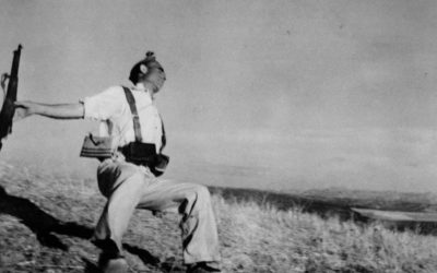 Apresentando Robert Capa – Série Mestres da Fotografia Preto e Branco
